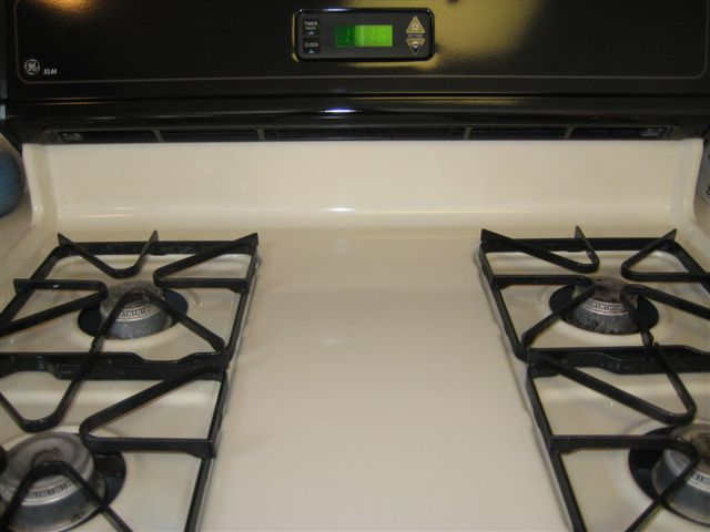 Kitchen stove after Thai Cleaning Service cleaned it
